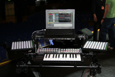 novation_all_the_way_for_robbie2.jpg